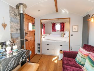 Shepherds Hut - 1022026 - photo 8