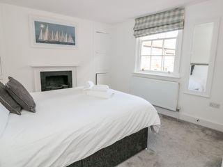 Apartment 2 @ 22 Foss Street - 1024486 - photo 10