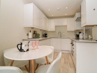 6 Montpellier Apartments - 1036610 - photo 8