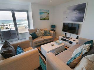 Apartment 3 Fistral Beach - 1038203 - photo 4