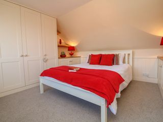 3 Lowerbourne Terrace - 1039481 - photo 12