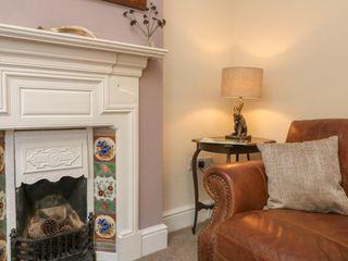 3 Lowerbourne Terrace - 1039481 - photo 4