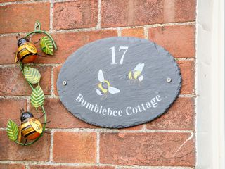 Bumble Bee Cottage - 1039754 - photo 4