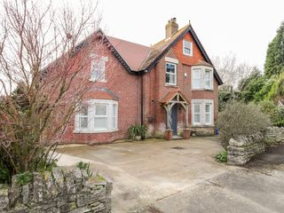 49 Ulwell Road photo 1