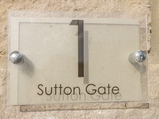 1 Sutton Gate - 1042446 - photo 2