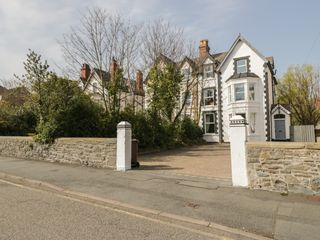 7 Marine Road photo 1