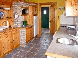 Rusheen Cottage - 10483 - photo 5