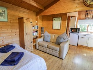 The Log Cabin - 12682 - photo 5
