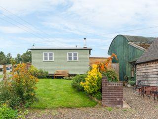 Shepherd's Hut - 17899 - photo 1