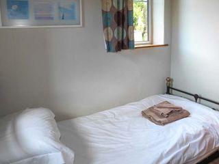 Sunnybrae East Cottage - 18445 - photo 5