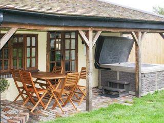 Brambles Cottage - 22112 - photo 2