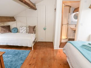 Canalside Cottage - 27990 - photo 10