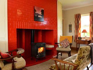 Paddy Staffs Cottage - 3688 - photo 2