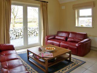 Dolmen Cottage - 3904 - photo 2