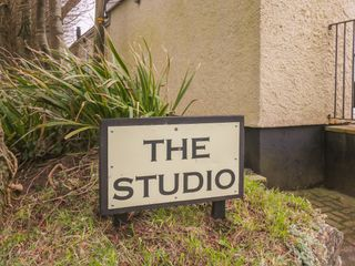 The Studio - 913965 - photo 3