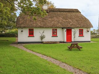 No. 7 Tipperary Thatched Cottages - 915742 - photo 2