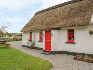 No. 10 Tipperary Thatched Cottage - 916416 - photo 2