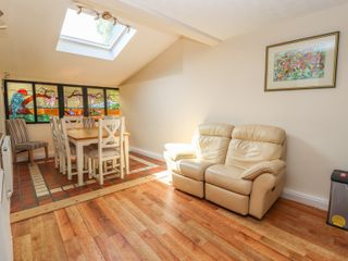 St Mary's Hill Cottage - 916618 - photo 9