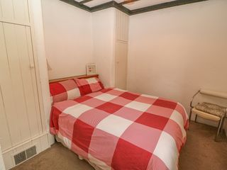 No. 9 Lough Derg Thatched Cottages - 916653 - photo 13