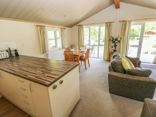 Oak Lodge - 917601 - photo 6