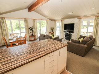 Oak Lodge - 917601 - photo 8