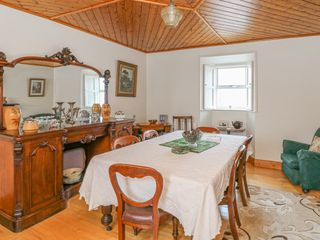 Ballykeeffe Farmhouse - 926122 - photo 4