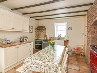 Ballykeeffe Farmhouse - 926122 - photo 6