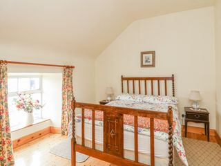 Ballykeeffe Farmhouse - 926122 - photo 8