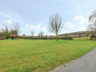 Ballykeeffe Farmhouse - 926122 - photo 15
