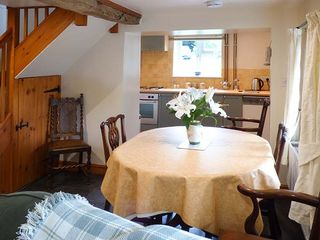 Yew Tree Cottage - 928177 - photo 6
