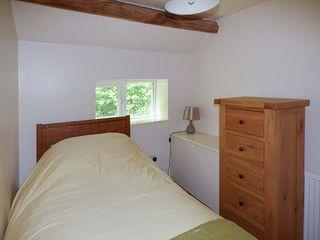 Yew Tree Cottage - 928177 - photo 10
