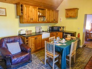 Fitzpatricks Cottage - 929821 - photo 3