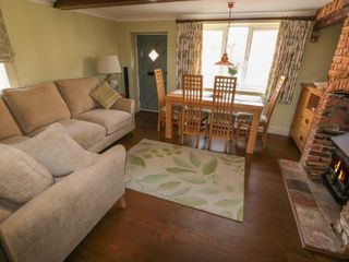 Easter Cottage 3 Hunstanton Road - 932351 - photo 2