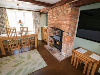 Easter Cottage 3 Hunstanton Road - 932351 - photo 3