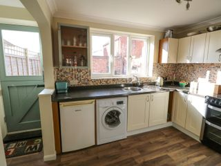 Easter Cottage 3 Hunstanton Road - 932351 - photo 6
