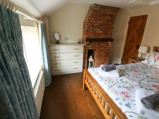 Easter Cottage 3 Hunstanton Road - 932351 - photo 10