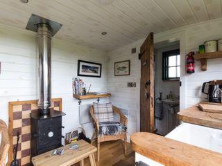 Peat Gate Shepherd's Hut - 936738 - photo 7