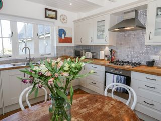 Bronwen Cottage - 937200 - photo 5