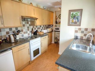 Mill Brow Apartment - 939706 - photo 5