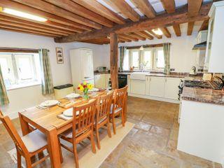 Woodthorpe Cruck Cottage - 945165 - photo 10