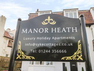 Manor Heath Apartment 3 - 958918 - photo 2