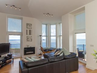 Apartment 4 Granville Point - 959906 - photo 6