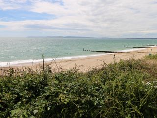 Hengist Beach House - 975381 - photo 30