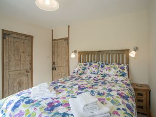 Withymore Cottage - 976209 - photo 8