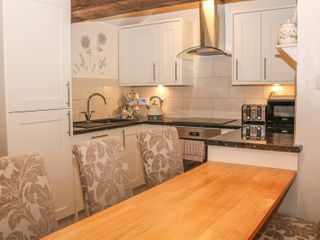 The Church Inn Cottage - 981045 - photo 5