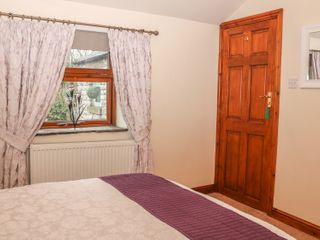 The Church Inn Cottage - 981045 - photo 10