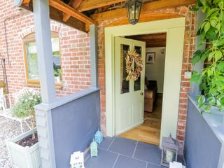 Yew Tree Cottage - 985110 - photo 3