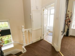 60 Keighley Road - 985668 - photo 4