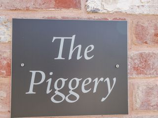 The Piggery - 985932 - photo 3