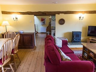 Hay Barn Cottage - 988709 - photo 2